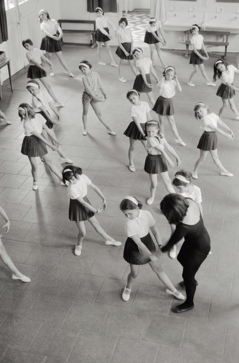 Sport à l'école Gambetta. Fonds IPN, 1966