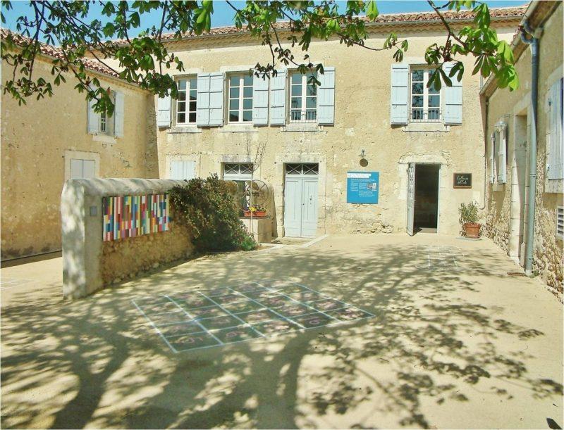 Musée de l'école publique de Saint-Clar