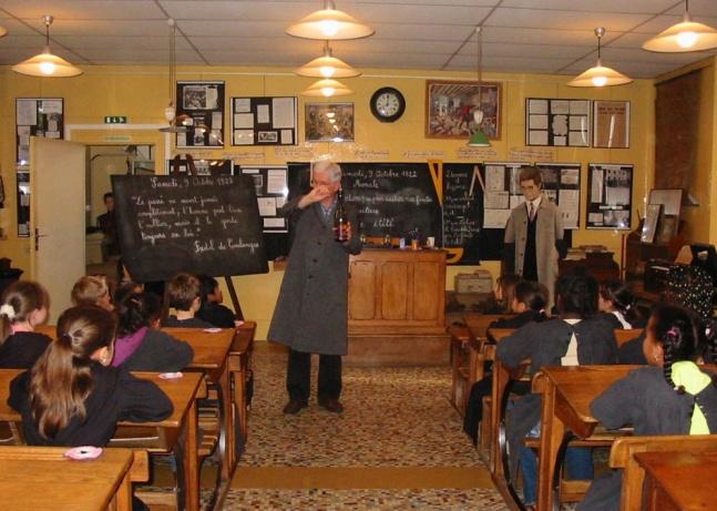Ecole de Pouilly le Fort - Classe des années 20
