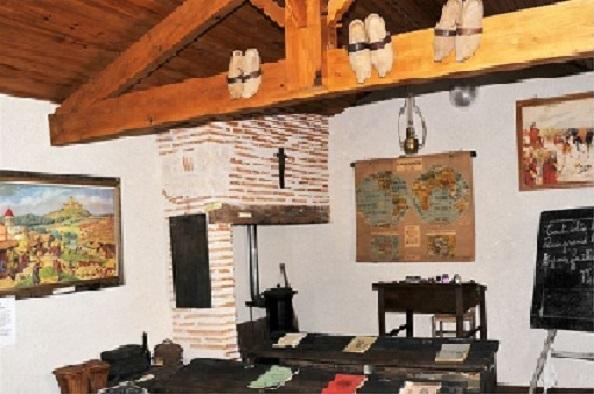 Musée de St Pierre de Buzet : classe Guizot