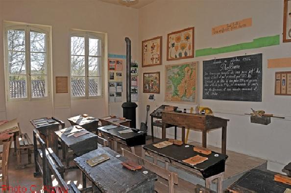 Musée de St Pierre de Buzet : classe Jules Ferry